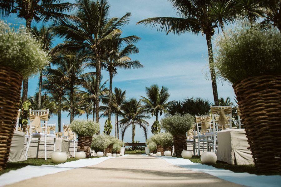 casamento-praia-1-900x599 Casamento na praia - Riviera de São Lourenço - Ariane + Scott