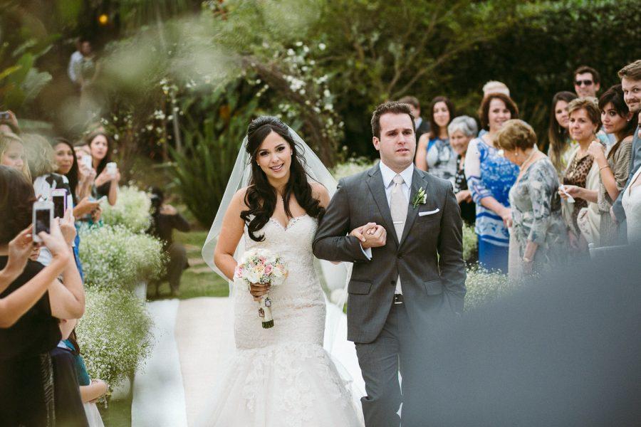 casamento-praia-19-900x600 Casamento na praia - Riviera de São Lourenço - Ariane + Scott