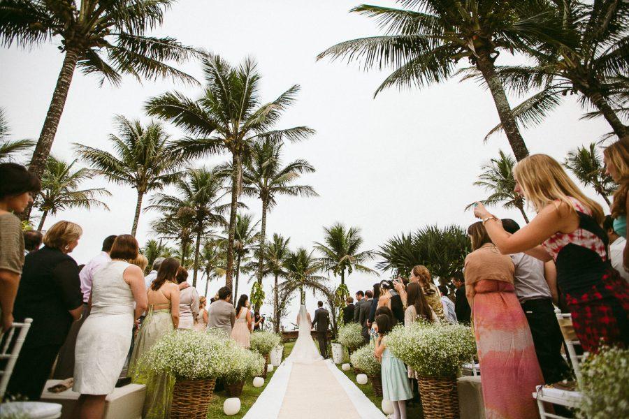 casamento-praia-20-900x600 Casamento na praia - Riviera de São Lourenço - Ariane + Scott