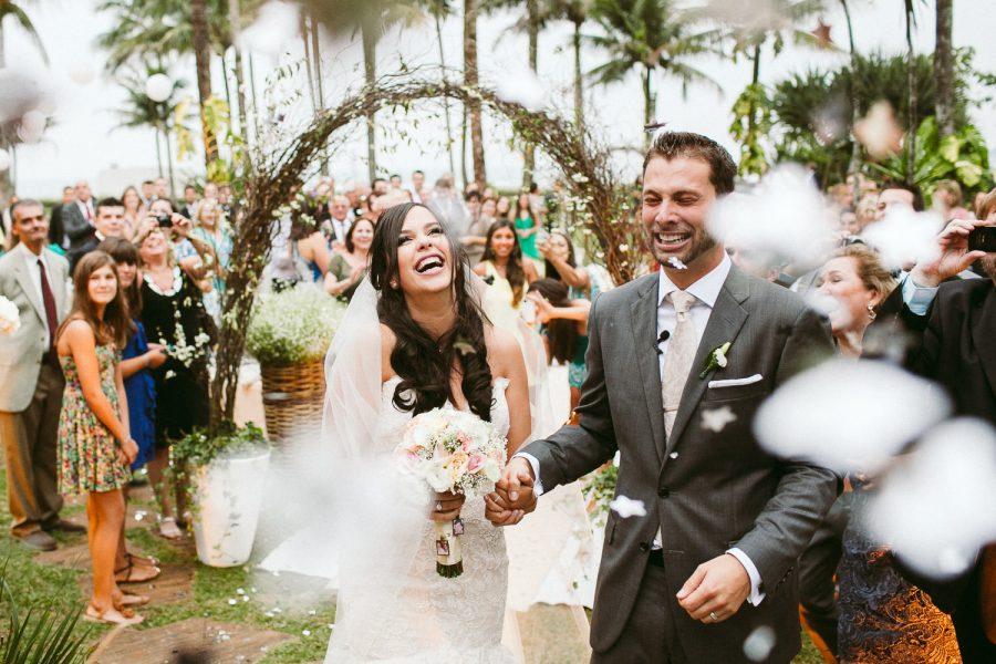 casamento-praia-28-900x600 Casamento na praia - Riviera de São Lourenço - Ariane + Scott