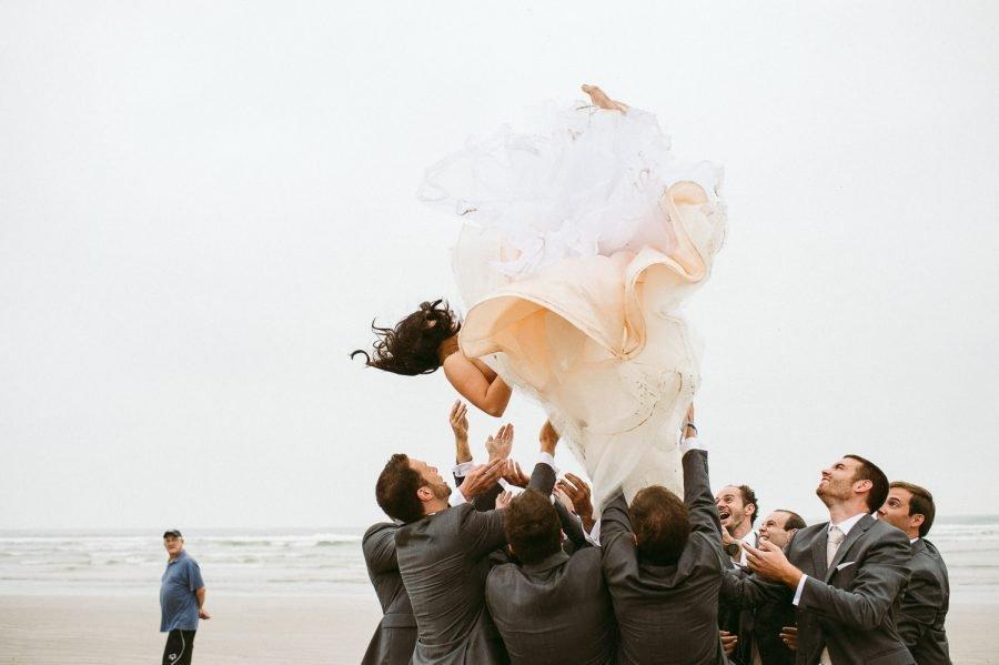 casamento-praia-36-900x599 Casamento na praia - Riviera de São Lourenço - Ariane + Scott