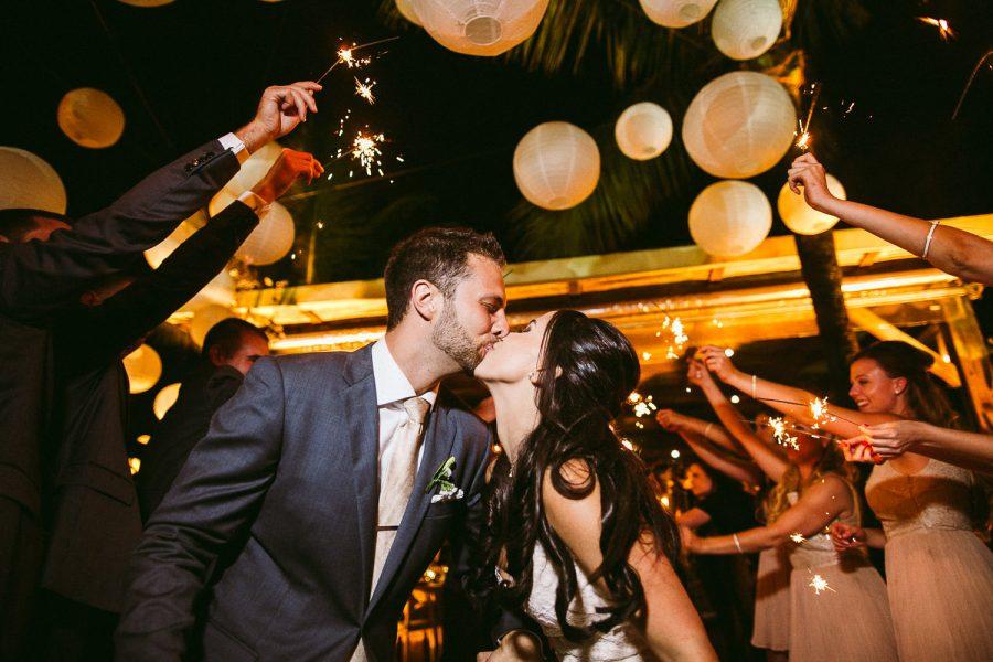 casamento-praia-46-900x600 Casamento na praia - Riviera de São Lourenço - Ariane + Scott