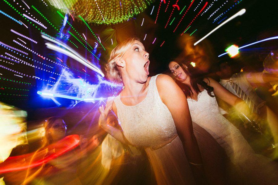 casamento-praia-57-900x600 Casamento na praia - Riviera de São Lourenço - Ariane + Scott