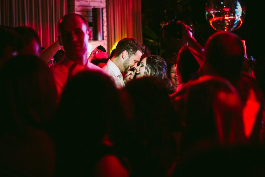 casamento-praia-58-900x600 Casamento na praia - Riviera de São Lourenço - Ariane + Scott